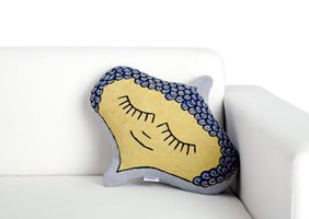 IMG_9039_Faces-shaped_couch_a.jpg